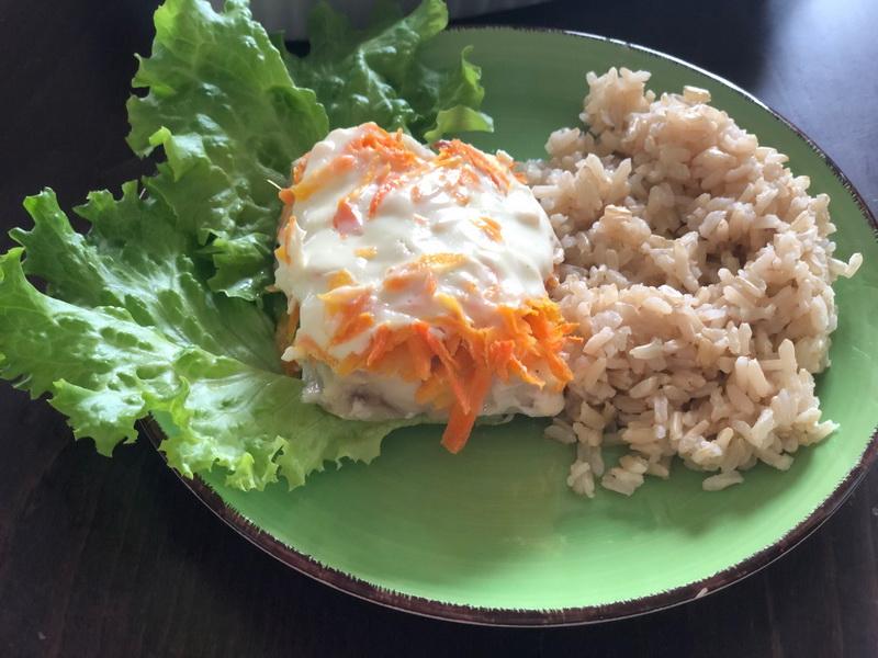 Филе минтая в духовке с луком и морковью