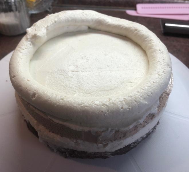 Модный торт «Сникерс» – очень классный! Решилась приготовить и не прогадала: долго, но чертовски вкусно
