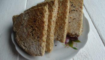 Фарлс – домашний ирландский хлеб из овсянки с кефиром. Рецепт простой, а результат вкуснейший
