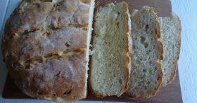 Безумно вкусный «Луковый хлеб» — муж очень любит его ароматный вкус, с холодником уминает за один присест