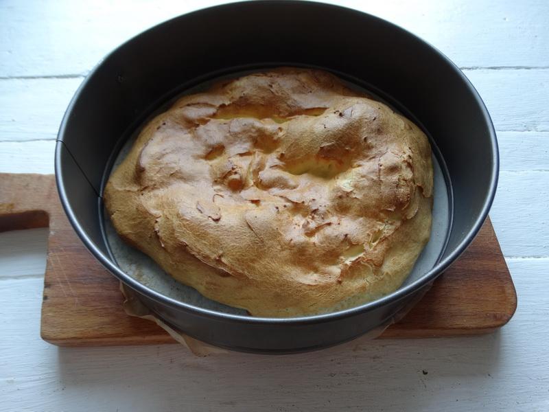 Большой «эклер» или вкуснейший торт Карпатка - один из любимых моих десертов. Делюсь рецептом