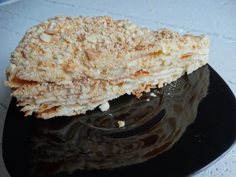 Рецепт «Творожный Наполеон» - простой и бюджетный (хрустящие коржи на твороге, а крем на молоке, сахара минимум)
