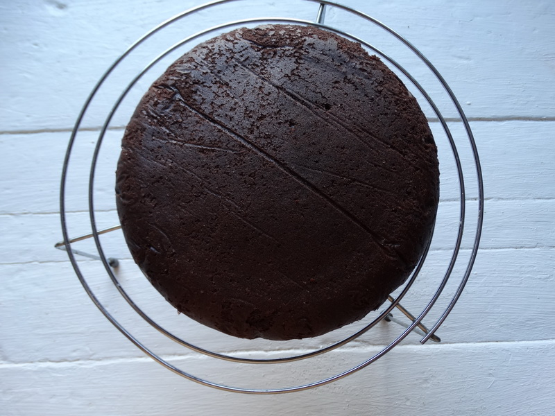 Очень быстрый «Сникерс» - мой любимый эконом рецепт торта, люблю его за простоту