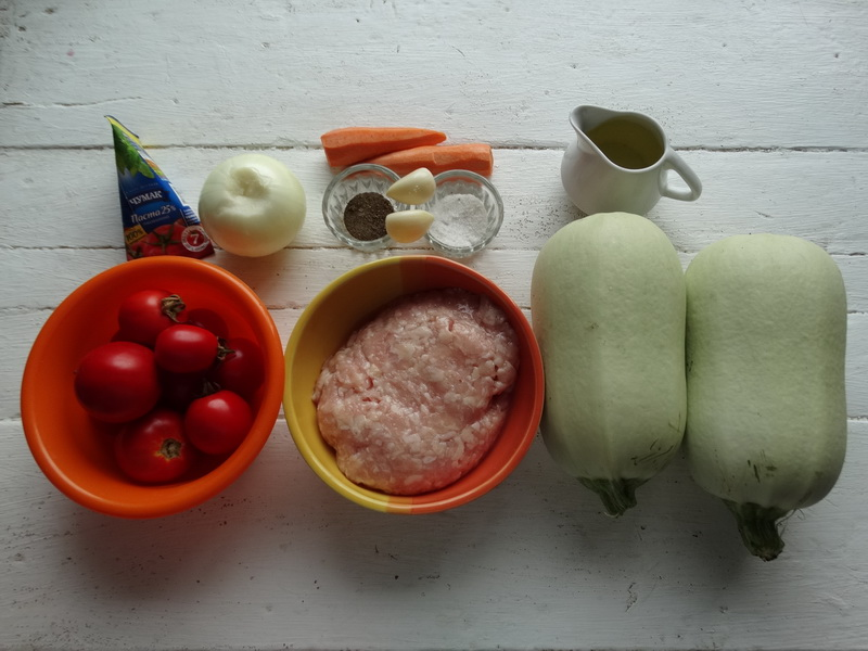 «Необычная лапша, кабачковая» - К фаршу делаю оригинальный гарнир из кабачков (годятся и перезревшие плоды)