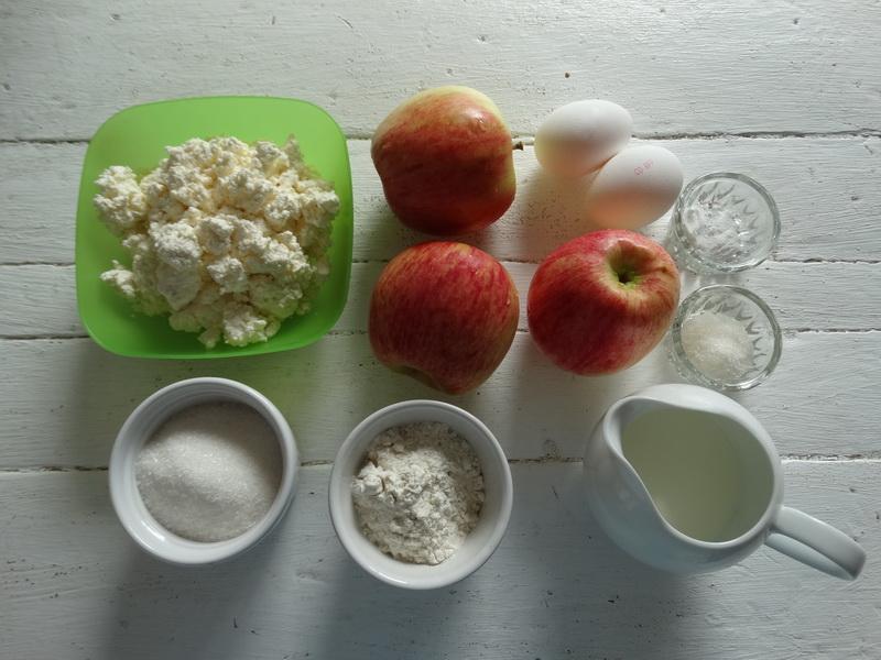 «Невидимый» – любимейший яблочный пирог (теста минимум и держит форму)