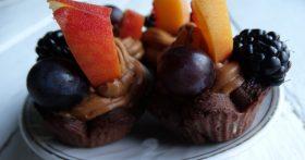 Шикарный десерт «на один укус» с фруктами. Красиво. И реально вкусно