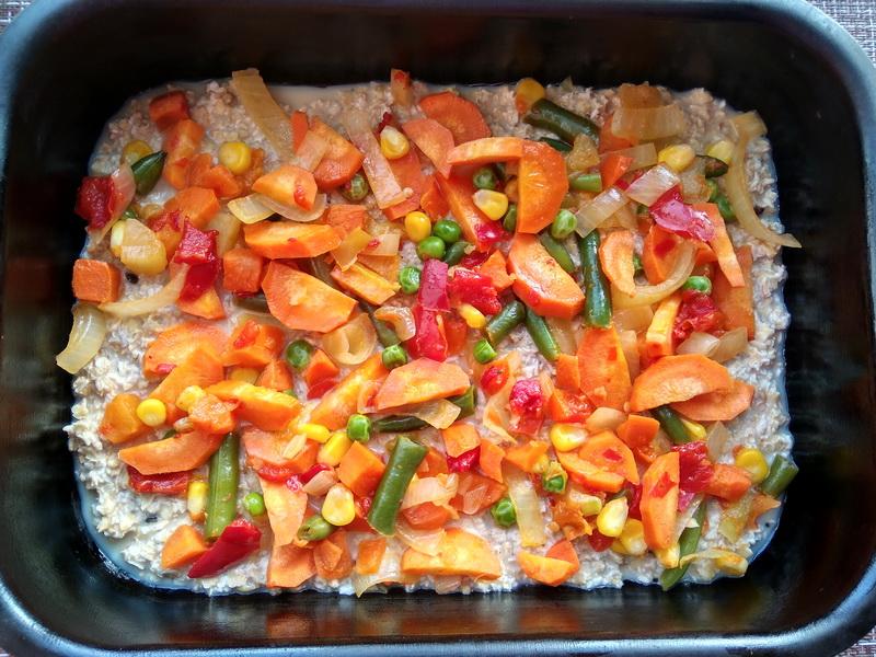 «Овсяные хлопья запеканкой» - давно так готовлю: хлопья с овощами, вроде бы и не каша, а завтрак отличный