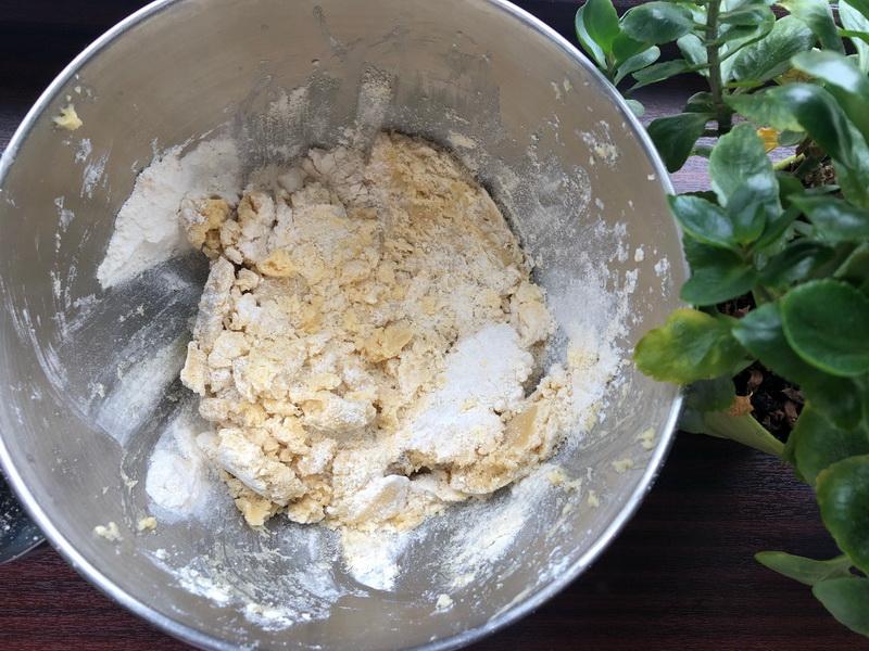 Вкуснейший песочный торт на скорую руку с обалденным творожным кремом (лёгкий и не жирный)
