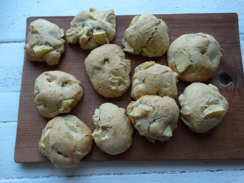 Делюсь отличным рецептом яблочного печенья «Шарлотка» (ничем не хуже пирога, а с собой брать удобней)