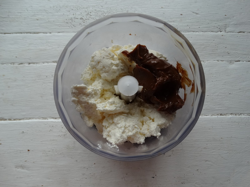 Всего из 4 ингредиентов готовлю тонкий хрустящий рожок для мороженного на обычной сковороде