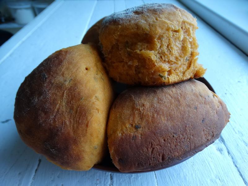 Итальянский «Томатный хлеб» - как губка, пористый и пышный. Влюбилась в него сразу