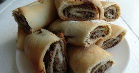 «Хлебные рулетики» — вкуснейшая закуска. Бывают разные начинки, но рецепт с печёнкой мой любимый