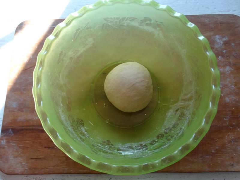 Давно уже вместо шарлотки пеку яблочный пирог «Моё объедение» - да потому что вкуснее