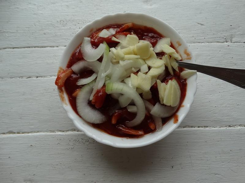 Курочка в томатном соусе - одно из моих любимейших блюд на каждый день: невероятное вкусное мясо, без излишней возни