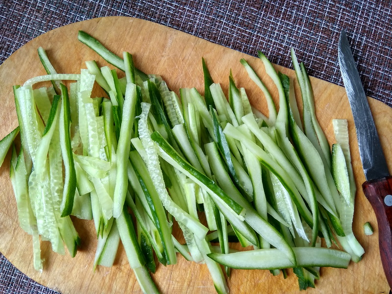 Корейский салат с сырой картошкой (пока сама не попробовала не понимала, что так можно есть)