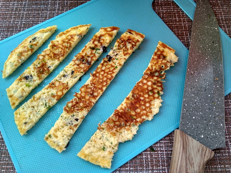 Баклажаны с омлетом – бесподобный рецепт закусочных рулетиков