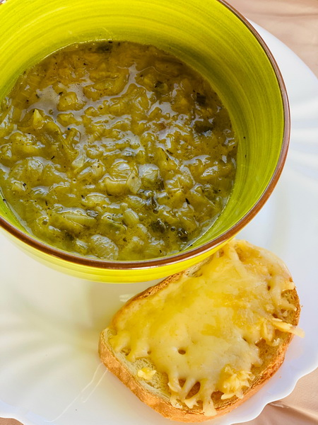 Луковый суп по французскому рецепту – нереально вкусно, всё-таки французы знают толк во вкусной еде