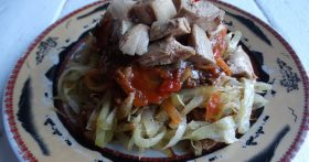 Рецепт тушеной капусты «По-флотски» (ни в коем случае не из фарша) — сестра научила, готовит её просто бесподобно