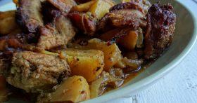 «Рёбрышки в картошке» — готовлю так для мужа: мясо получается нежнейшее, а картофель пропитывается жиром и маринадам