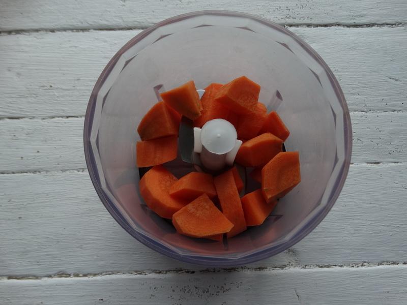 Осталось много зелёных помидор решила сделать малосольными. С рецептом угадала и делюсь. Мужу понравились больше красных