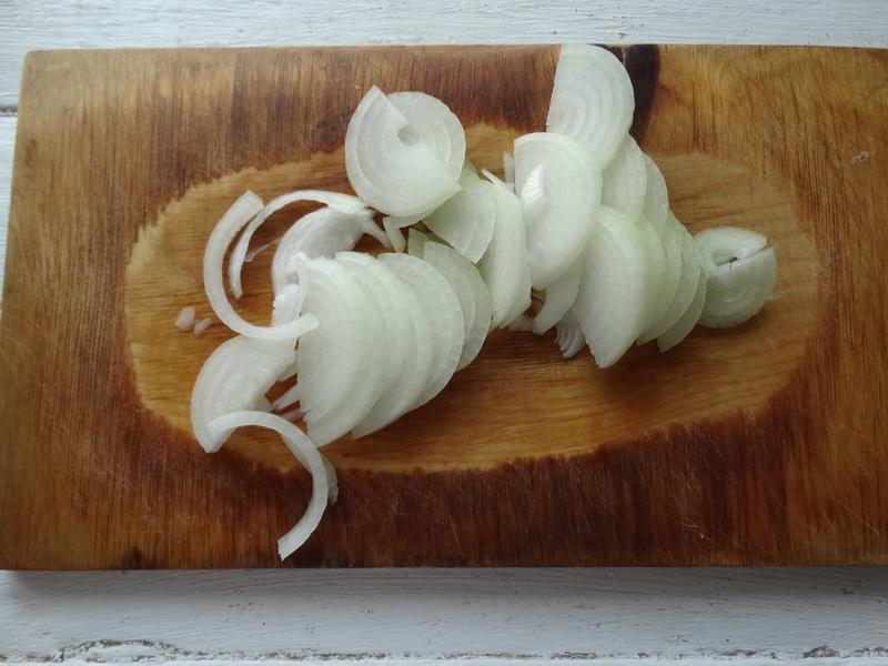 «Рёбрышки в картошке» - готовлю так для мужа: мясо получается нежнейшее, а картофель пропитывается жиром и маринадам