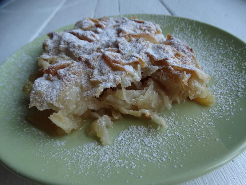 «Шифоновый пирог с яблоками» - долго училась его готовить, а теперь сама учу всех